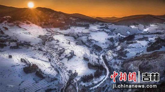 晨曦・松岭雪村