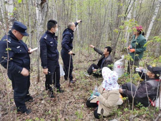 历时近4个小时民警终于找到迷路群众