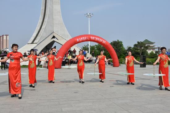 """敦化市打造出独具敦化特色的""""8分钟健身圈"""",成为运动健身之城。"""