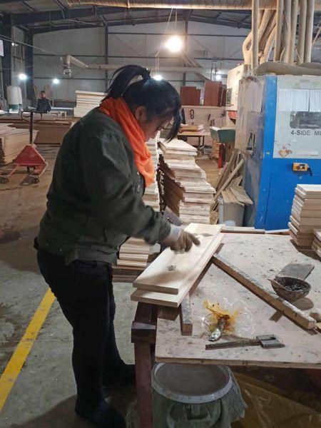 女工正在工作 吉林市妇联 供图