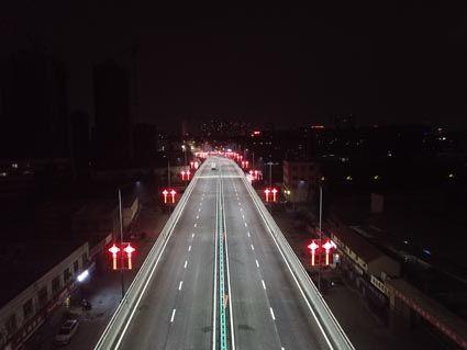 王母阁路跨线桥夜景