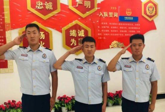 刘翰霖(左) 徐杰(中)李孟泽(右)