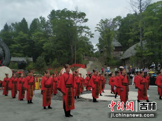 """""""长白山之神""""文化节公演现场 王海龙/供图"""