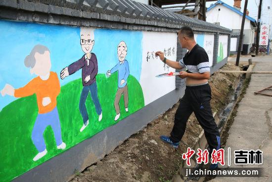 文化墙一景 于艳玲/供图