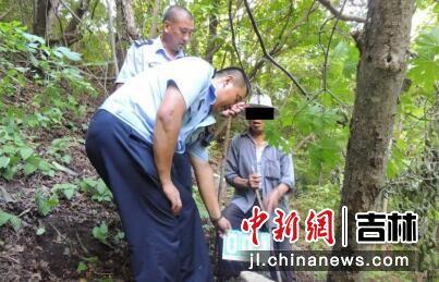 犯罪嫌疑人指认现场 吉林省森林公安局/供图