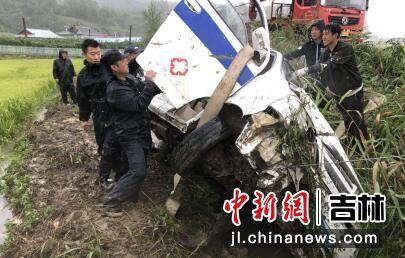 救援现场 熊峰/供图