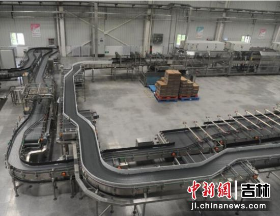 恒大冰泉自动化生产线 刘栋/供图