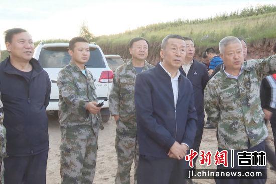 农安县委书记张知众一线督导检查防汛工作