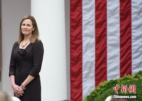 图为巴雷特当天在白宫玫瑰园。中新社记者 陈孟统 摄