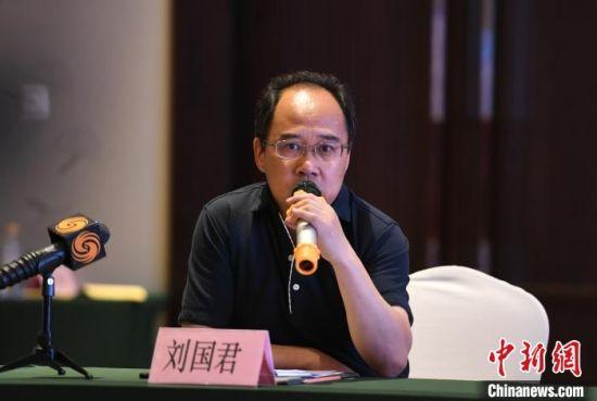 该项目总导演刘国君介绍相关情况。 张瑶 摄