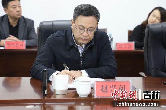 池西区委书记赵兴利 池西区党群工作部/供图