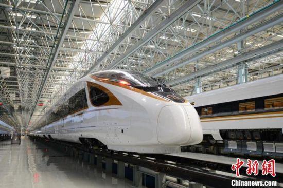 CR400BF-G型复兴号高寒动车组 杨�� 摄