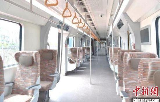 北京地铁19号线列车内部 图片由中车长客提供