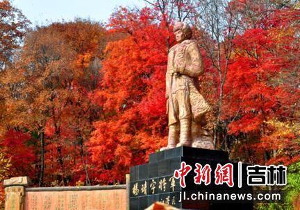 东北抗联蒿子湖密营内的杨靖宇将军像 红石林业局/供图